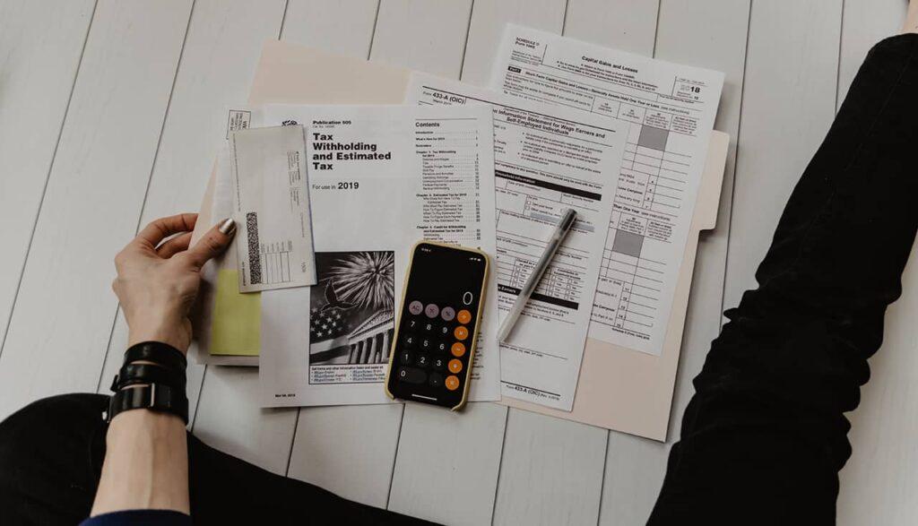 analyze finances